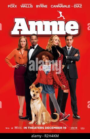 Annie Year : 2014 USA Director : Will Gluck Rose Byrne, Jamie Foxx, Quvenzhane Wallis, Cameron Diaz, Bobby Cannavale Movie poster (USA) - Stock Photo