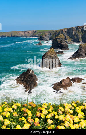 granite rock formation bedruthan steps on the north coast of cornwall, england, britain, uk. - Stock Photo