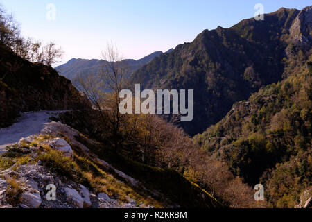 Unplugged: exploring nature, hiking on Tuscany mountains, breathtaking panorama (Italy). - Stock Photo