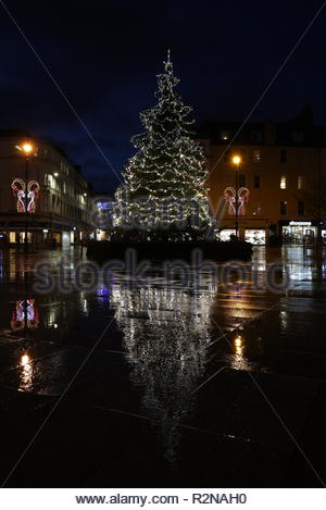 Dundee, UK. 20th November 2018. Christmas decorations in City Square Dundee after a wet and windy day in Tayside. Credit: Stephen Finn/Alamy Live News - Stock Photo