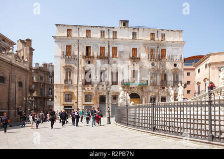 Palazzo, Piazza Pretoria, Palermo, Sicily, Italy, Europe - Stock Photo