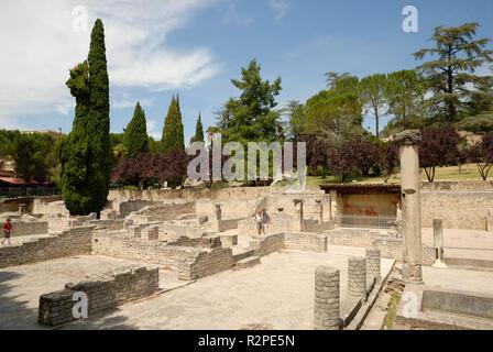 roman ruins in vaison-la-romaine - Stock Photo
