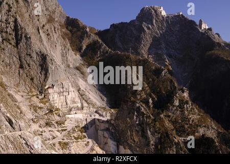 Unplugged: hiking on Monte Altissimo, Tuscany (Italy). - Stock Photo