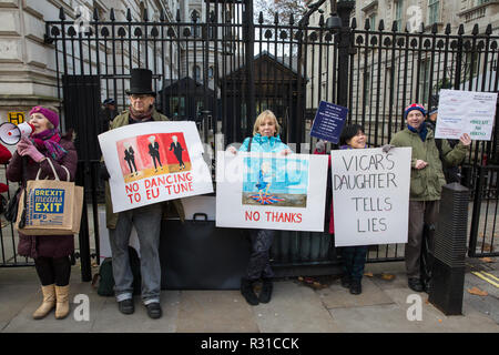 London, UK. 21st November, 2018. Pro-Brexit activists protest outside Downing Street on the day on which Prime Minister Theresa May is scheduled to travel to Brussels to attend discussions with Jean-Claude Juncker, President of the European Commission, regarding a political declaration to accompany the withdrawal agreement. Credit: Mark Kerrison/Alamy Live News
