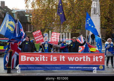 London, UK. 21st November, 2018. Steve Bray stands with anti-Brexit activists from SODEM (Stand of Defiance European Movement) protesting opposite Parliament on the day on which Prime Minister Theresa May is scheduled to travel to Brussels to attend discussions with Jean-Claude Juncker, President of the European Commission, regarding a political declaration to accompany the withdrawal agreement. Credit: Mark Kerrison/Alamy Live News - Stock Photo
