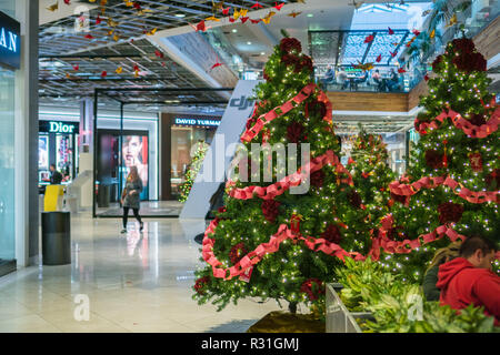 November 8, 2017 San Jose/CA/USA - Decorations for the upcoming holidays at Westfield Valley Fair Mall, San Francisco bay area - Stock Photo
