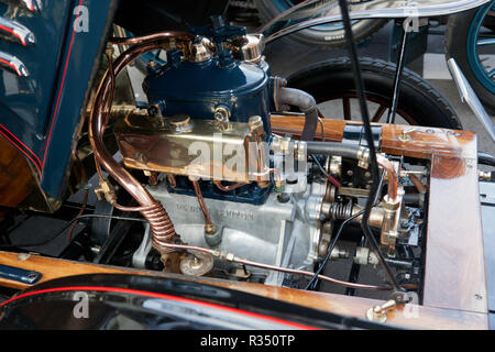 Close-up view of a 2 Cylinder, 10 Horsepower engine of a 1903 De Dion Bouton in the Veteran car Concours d'Elegane: 2018  Regents Street Motor Show - Stock Photo