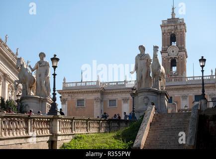 Rom, Roma, Kapitolsplatz, Piazza del Campidoglio, Treppenanlage von Michelangelo, Senatorenpalast - Stock Photo