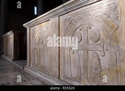 Rom, Roma, Santa Sabina, Chorschranke aus dem 8./9. Jahrhundert - Stock Photo