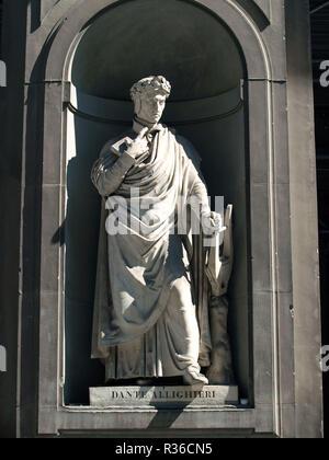 Dante Alighieri in the Niches of the Uffizi Colonnade, Florence. - Stock Photo