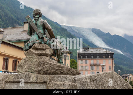 Dr Michel Paccard, born in Chamonix, was a doctor and mountain climber. This statue celebrates his ascent of Mont Blanc with his partner Jaque Balmat - Stock Photo