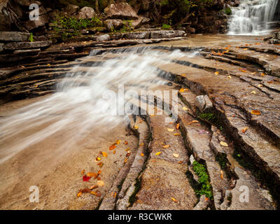 USA, New Hampshire, White Mountains. Cascades along Bemis Brook - Stock Photo