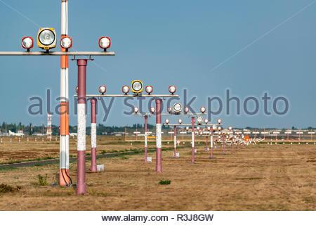 Einflugschneise am Flughafen - Stock Photo