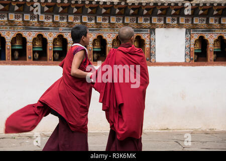 Bhutan, Paro, Rinpung Dzong. Novice monks at 15th century Buddhist monastery and fortress. Tentative List for UNESCO inclusion. - Stock Photo