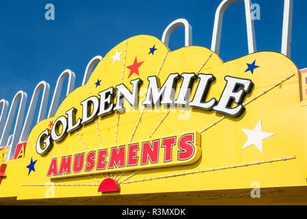 Blackpool Golden Mile amusements amusement arcade on the seafront promenade Blackpool Lancashire England GB UK Europe - Stock Photo
