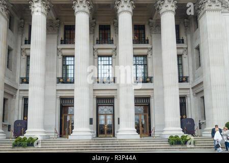 The Four Seasons Hotel, ten Trinity Square, London, UK - Stock Photo
