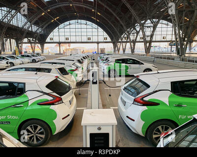 Main railway station with clevershuttle Nissan Leaf electric car sharing, rental in Leipzig, Saxony, Germany, November 23, 2018. © Peter Schatz / Alam - Stock Photo