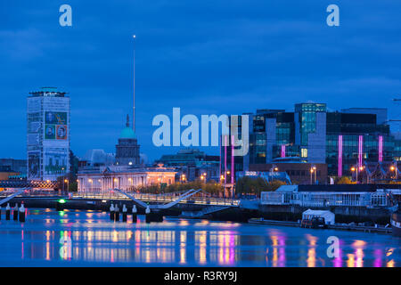 Ireland, Dublin, Docklands, Liffey Riverfront with Custom House, dawn - Stock Photo