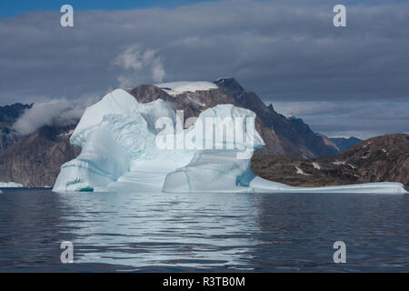 Eastern Greenland, Scoresbysund, aka Scoresby Sund, Bear Island, aka Bjorne Oer. Huge icebergs around the Bear Islands. - Stock Photo