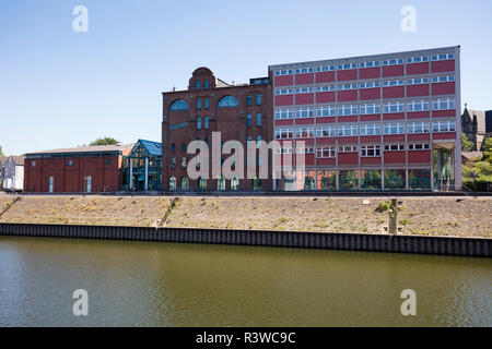Germany, Duisburg, view to municipal museum at inner harbour - Stock Photo