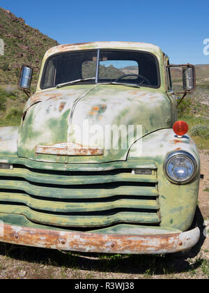 Arizona, Cool Springs, 1952 Chevy 3/4 ton pickup truck - Stock Photo