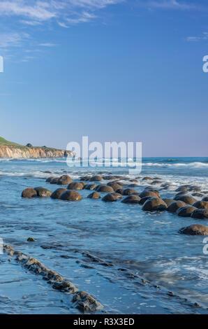 USA, California, Mendocino County, Schooner Gulch State Beach, Bowling Ball Beach