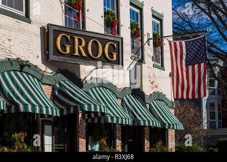USA, Massachusetts, Newburyport, The Grog Pub, Middle Street - Stock Photo