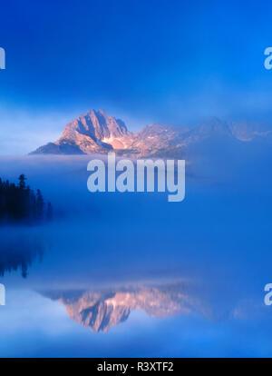 USA, Idaho, Sawtooth National Recreation Area. Little Redfish Lake landscape. - Stock Photo