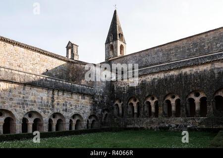 Abbaye du Thoronet, Basilique, 3e tombeau de la chretienté Provence verte dans le Var - Stock Photo