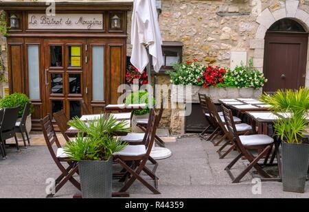 Mougins, France, June 6th , 2016.  Le Bistrot de Mougins,  restaurant in the city centre of Mougins. - Stock Photo