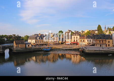 port of saint-goustan and saint-goustan bridge at auray in brittany - Stock Photo
