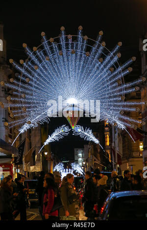United Kingdom. 25th Nov, 2018. Christmas lights and decorations are seen on Bond Street. Credit: Dinendra Haria/SOPA Images/ZUMA Wire/Alamy Live News - Stock Photo