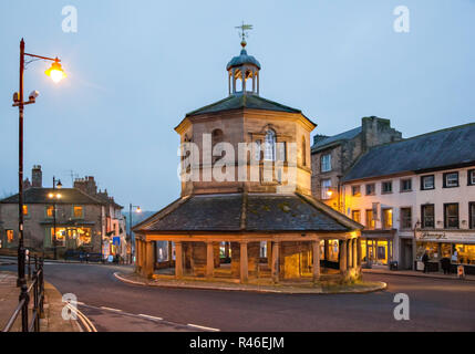 The butter Market  market cross erected in 1747 standing in the high street in the Teesdale market town of Barnard Castle County Durham in the evening - Stock Photo