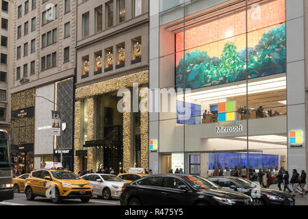 Fifth Avenue during holiday season, Midtown Manhattan, NYC, USA - Stock Photo