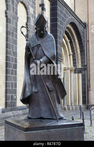 monument cardinal joseph frings,archbishop of cologne - Stock Photo