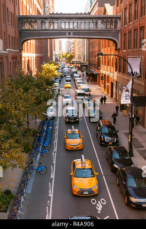 West 15th Street skybridge or sky bridge photographed from the High Line, Chelsea Market, Chelsea, Manhattan, New York City, United States of America. - Stock Photo