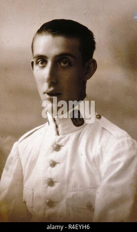 RETRATO DE JUAN FERNANDEZ ORONOZ EN LA ESCUELA DE MARINA DE CADIZ - 1922 - ByN 512. Location: PRIVATE COLLECTION. MADRID. SPAIN. - Stock Photo