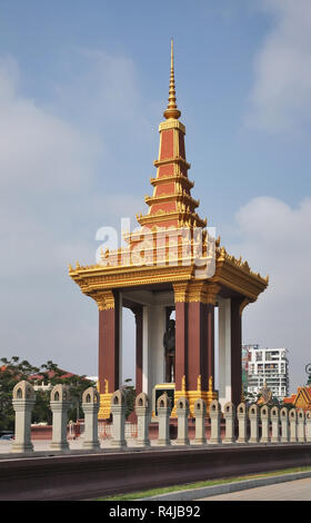 Statue of King Father Norodom Sihanouk at Samdach Chounnath garden in Phnom Penh. Cambodia - Stock Photo