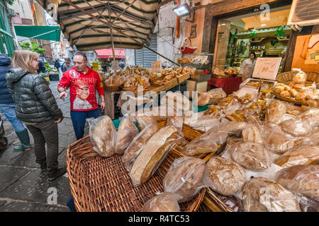 Bakery stall at Via Sopramuro, Mercato di Porta Nolana quarter, Naples, Campania, Italy - Stock Photo
