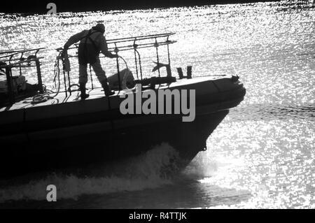 Preparing mooring ropes on River Tyne pilot launch - Stock Photo