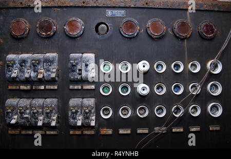 09 November 2018, Bavaria, Pullach: An old fuse box can be seen in a bunker under the presidential villa on the premises of the Federal Intelligence Service (BND). The villa was once the residence of Martin Bormann, head of the party office of the NSDAP and a confidant of Hitler, and belonged to the former Reichssiedlung Rudolf Heß which was built between 1936 and 1938. From 1947, the buildings were used by the Gehlen organization and later by the Federal Intelligence Service (BND). The Federal Intelligence Service has moved from Pullach to its new headquarters in the middle of Berlin. It was - Stock Photo