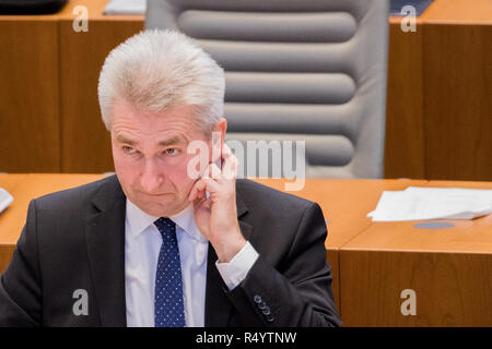 29 November 2018, North Rhine-Westphalia, Düsseldorf: Andreas Pinkwart (FDP), Economics Minister of North Rhine-Westphalia, sits in the plenum of the state parliament. MEPs debate the UK's exit agreement with the EU and the establishment of a committee of inquiry into the death of an innocent Syrian prisoner in the Kleve prison. Photo: Rolf Vennenbernd/dpa Stock Photo