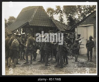 British & Indian officers 9th Gurkhas at their Headquarters in France [St Floris], 23rd July 1915. Record of the Indian Army in Europe during the First World War. 20th century, 23rd July 1915. Gelatin silver prints. Source: Photo 24/(60). Author: Girdwood, H. D. - Stock Photo