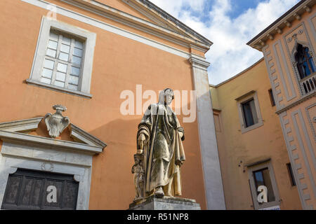 Statue to sculptor and architect Nicola Pisano in Pisa. Italy. Sculptor Salvino Salvini, 1864 - Stock Photo