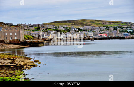 View of Stromness shore, in Orkney. Stromness is the second city in Orkney archipelago, on Mainland island. 2017 - Stock Photo