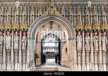 The Kings Screen curtained between the nave and the choir inside the cathedral of York Minster in England depicting fifteen figures of English kings - Stock Photo