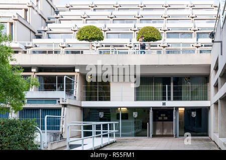 Student residences at New Court Christ's College Cambridge designed by Denys Lasdun and built in 1966. Known as The Typewriter building. - Stock Photo
