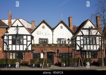 Exterior of The White Swan Hotel, Stratford upon Avon. - Stock Photo