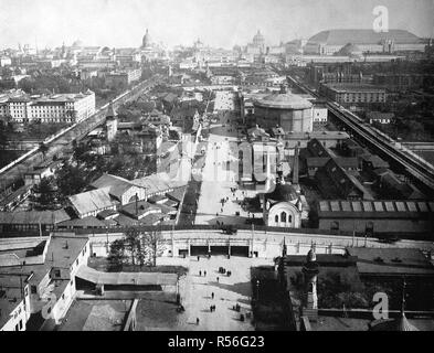 Building at the territory of the World Exposition 1893, View from Midway Plaisance to the east, historical monochrome - Stock Photo