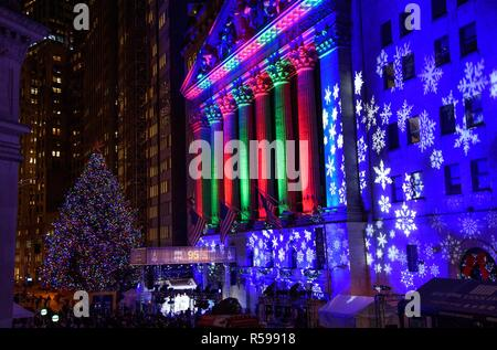 NY Stock Exchange Christmas Tree at a public appearance for 2018 New York Stock Exchange Christmas Tree Lighting, New York Stock Exchange, New York, NY November 29, 2018. Photo By: RCF/Everett Collection - Stock Photo